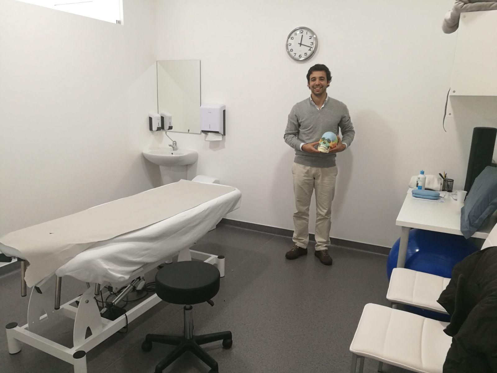Dr. Jorge Oliveira
